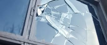 Comment réparer ou remplacer un vitrage brisé ?
